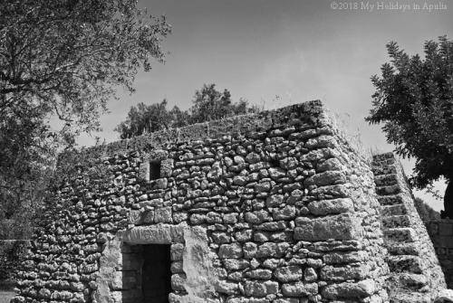 ancient architecture in apulia